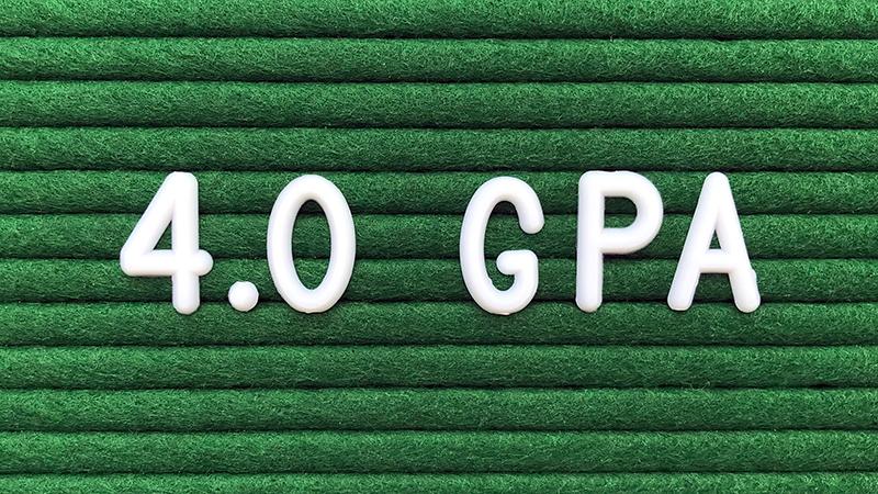 Nine Students Receive 4.0 GPA Board of Trustees Awards